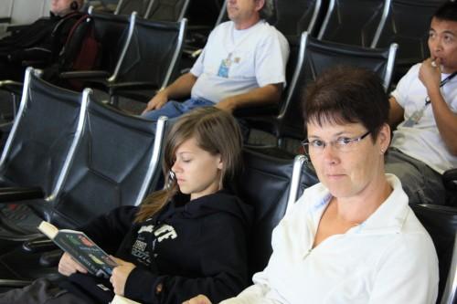 Het onvermijdele wachten op het vliegveld...