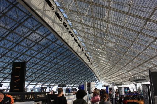 Een van de hallen van Paris-Charles de Gaulle Airport